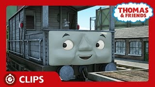Toad Saves the Day and Sings to the Whale | Clips | Thomas & Friends