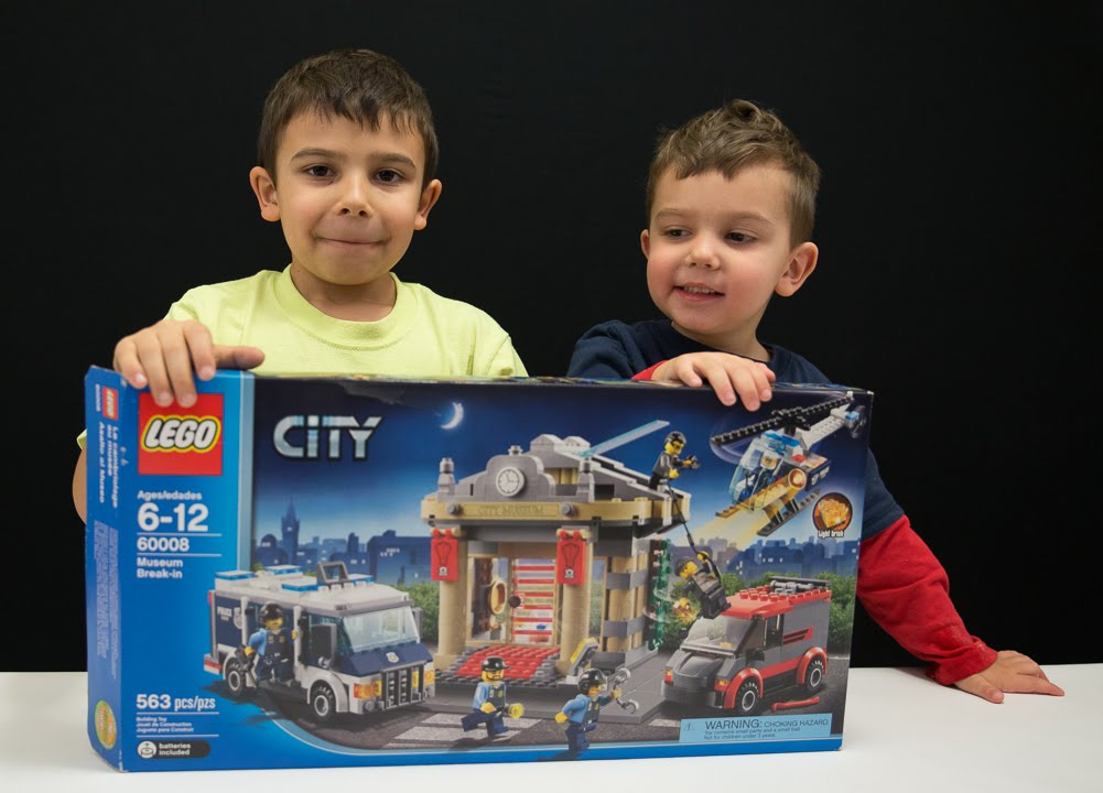 LEGO City 60008 Museum Break-In - Unboxing, Time Lapse Building ...