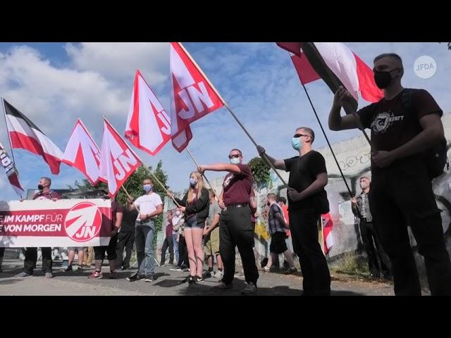 Neonazis bei der NPD Kundgebung an der Bornholmer Straße in Berlin am 14. August 2021