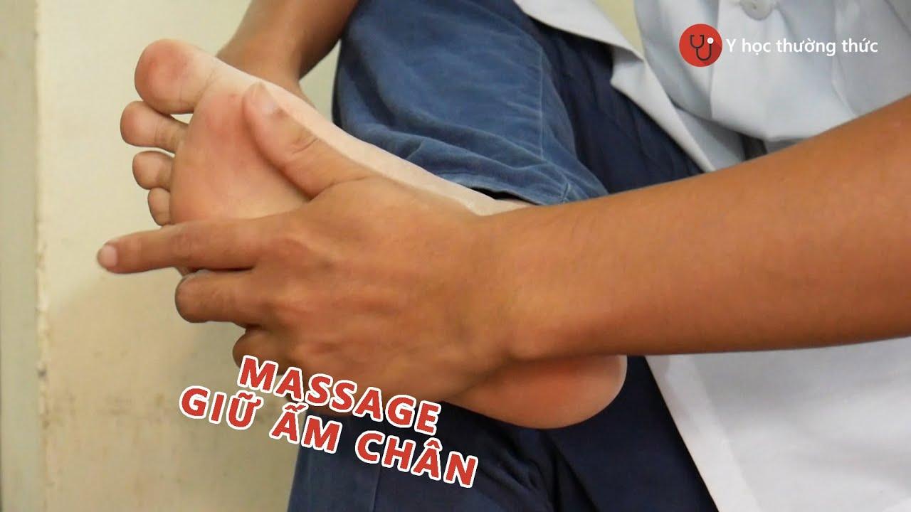 Hướng dẫn massage huyệt vị giữ ấm đôi chân trong mùa đông
