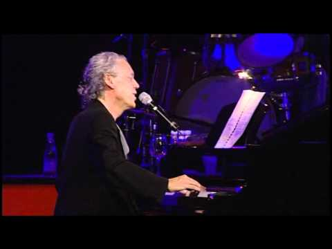Pascal Auberson chante «Scène noire». Extrait de concert filmé en 2006.