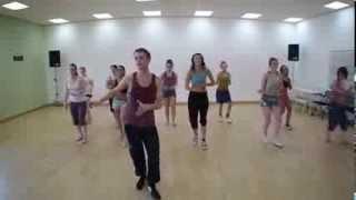 Зумба - обалденная фитнес программа для похудения!(Зумба - довольно новый вид тренировок для похудения, зато очень эффективный! Занимайтесь и худейте с удовол..., 2013-11-04T07:00:47.000Z)