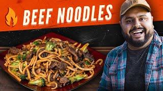 Cocinando en el Exterior - Beef Broccoli Noodles | Fuego Alto | El Guzii