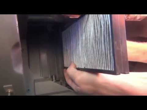 как вытащить салонный фильтр киа спектра