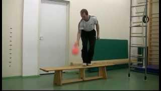 Ведение мяча по скамейке различными способами