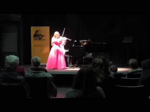 Ellinor d'Melon plays Paganini/Kreisler La Campanella