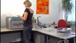 Glass engraving using a desktop laser machine - Rayjet from Trotec