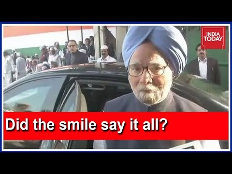 Manmohan Singh Asked About The Accidental Prime Minister, Evades The Question With A Smile
