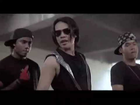 MV Mengegar Dunia (Adam & Stacy)