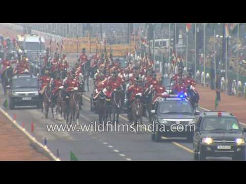 President Pranab Mukherjee arrives, escorted by President's Bodyguard : Republic Day 2017