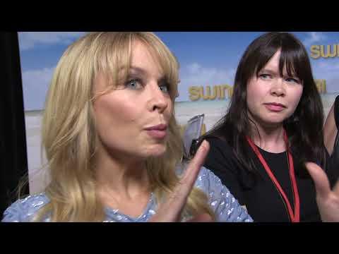 'Kylie Minogue' talks Guy Pearce & childhood home @ Swinging Safari premiere' 141217