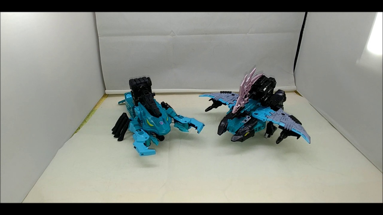 Chuck's Reviews Transformers Generations Selects Kraken and Lobclow