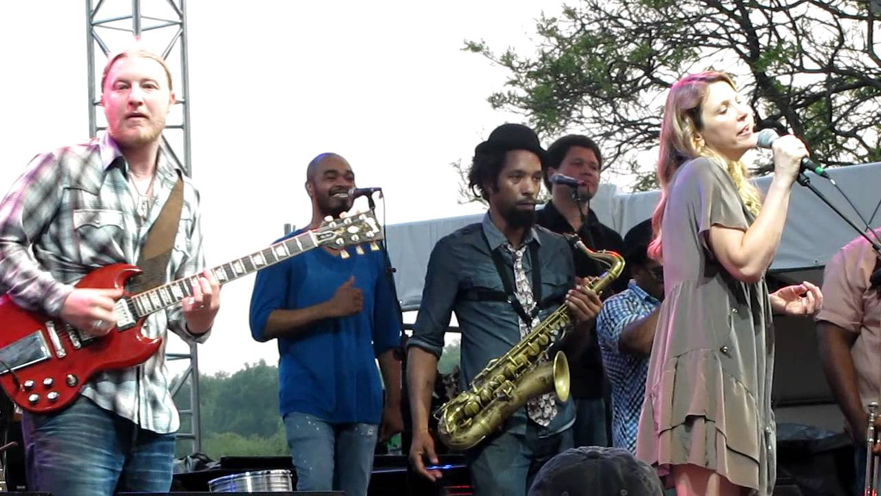 tedeschi trucks band ball and chain greenwich ct town party youtube. Black Bedroom Furniture Sets. Home Design Ideas