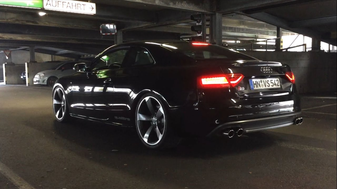 Audi S5 4 2 V8 LOUD EXHAUST CRACKLING POPPING Machine Gun Style