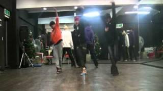Infinite BTD dance performance!!(Scorpion dance)