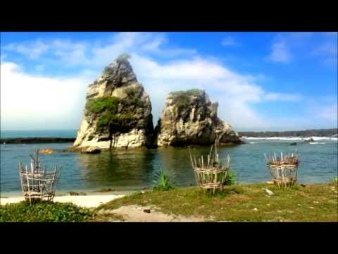 Menelusuri keindahan pantai sawarna banten