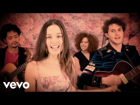 Nuestra Canción - Monsieur Periné ft. Vicente García