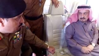 شاهد.. جولة أمير الرياض الجوية على الدلم.. واجتماعه بالمسؤولين على متن الطائرة