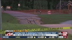 Giant sinkhole closes Spring Hill intersection