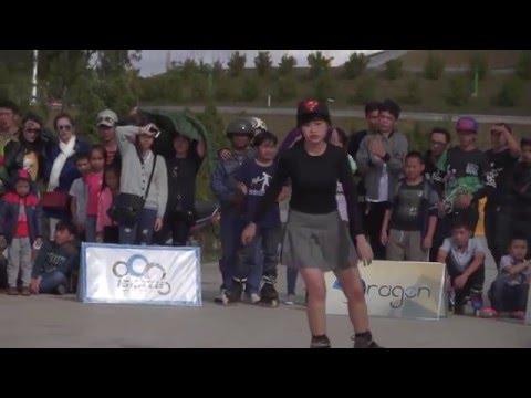 Girl xinh trượt patin hết sảy