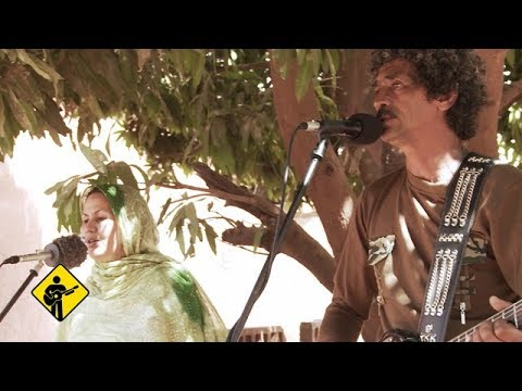 Le Chant des Fauves | Playing For Change | Live Outside