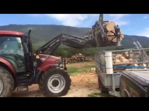 fendeuse de b ches cfm 550 sur tracteur agricole youtube. Black Bedroom Furniture Sets. Home Design Ideas