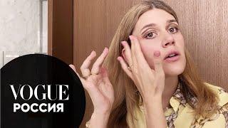 Ксюша Дукалис показывает как сделать макияж в стиле 70 х Vogue Россия