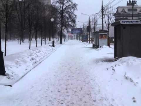 Путь от метро Парк Победы к автобусам