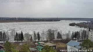 Начало движения льда на реке