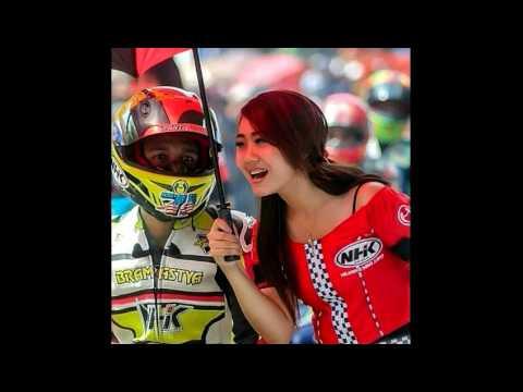 Umbrella girl's (gadis payung road race)