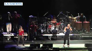 Calle 13 ofreció un show breve pero intenso