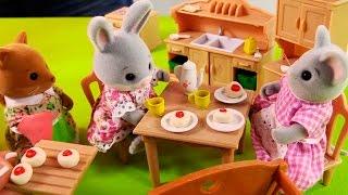 Видео для детей: Лепка из пластилина на игрушечной кухне. Развивающие занятия вместе с Village Story(Развивающие занятия для детей трудно представить без лепки из пластилина. Ведь это самая лучшая, простая..., 2015-03-23T11:20:12.000Z)