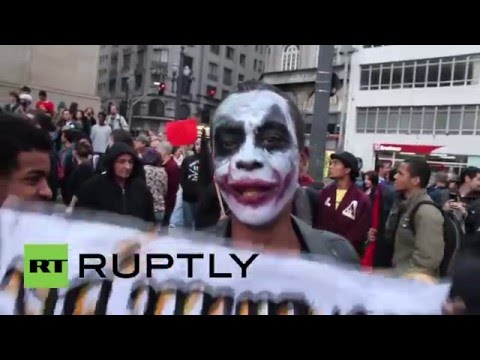 Brazil: Thousands protest capitalism at 'anti-fascist' rally in Sao Paolo