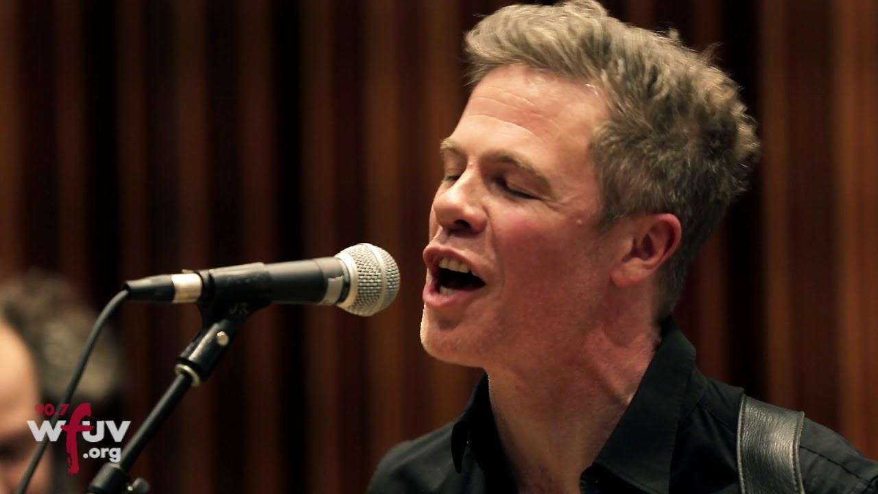 josh-ritter-friendamine-live-at-gibson-new-york-showroom-wfuv-public-radio
