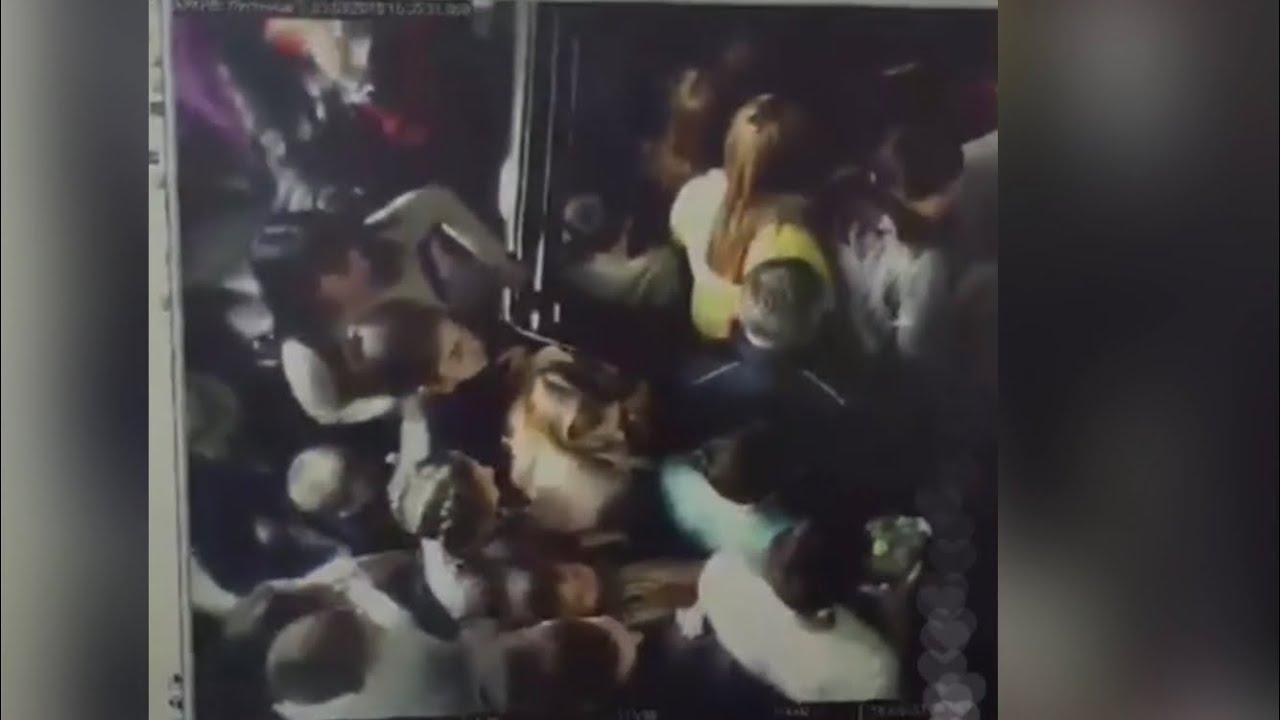 Пожар Кемерово «Зимняя Вишня». Давка на лестнице, секунды,что не попали в распространённое видео.