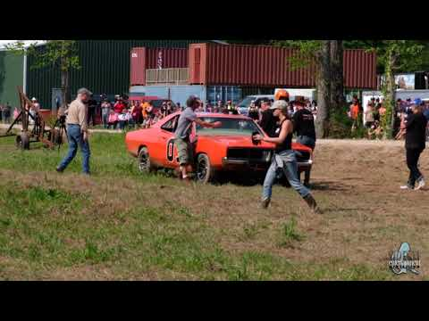 John Schneider's 1st Ever Jump in The General Lee