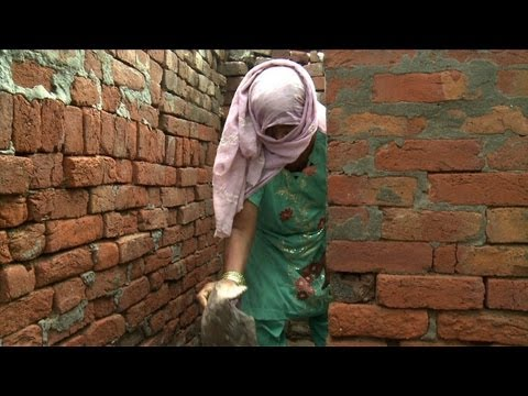 New law to ban India's 'untouchable' toilet cleaners