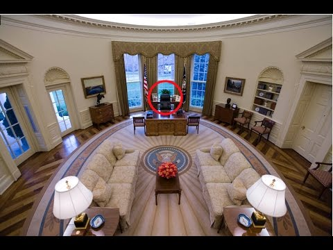 The Secret Of Tramps OVAL OFFICE DESK
