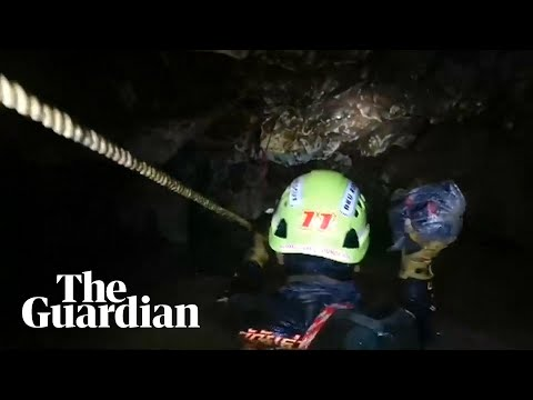 Headcam footage shows difficult conditions facing divers in Thai cave