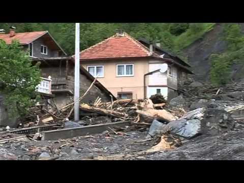 Aid pledges for Balkan flood crisis