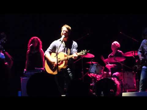 """Amos Lee LIVE """"The Wind"""" Beacon Theater NYC"""