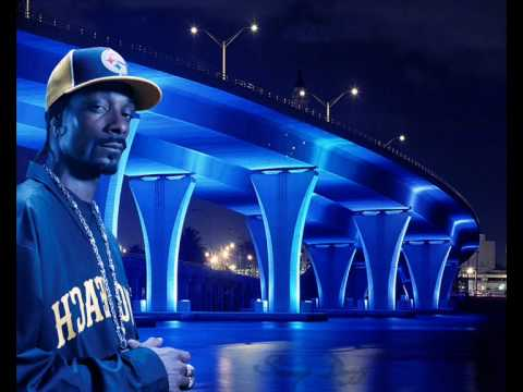 Snoop Dogg feat. Daft Punk - Signs & Voyager (Mashup)