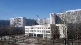 Посадка вертолета МЧС на школьный двор(, 2013-04-13T10:45:37.000Z)