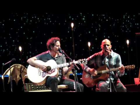 Eddie Vedder & Kelly Slater - INDIFFERENCE @ Ohana Festival 08-27-16