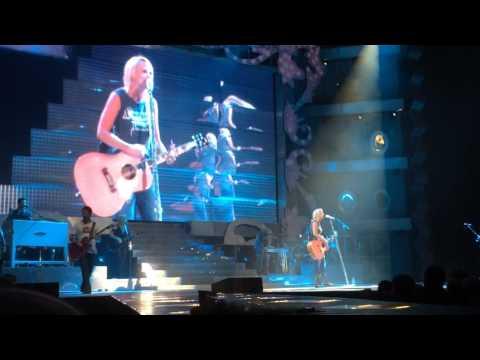 Miranda Lambert  - Famous in a Small Town LIVE Corpus Christi, Tx. 9/13/14