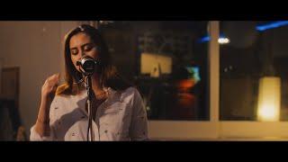 Смотреть клип Jasmine Thompson - Colour