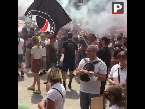 Marseille : plusieurs milliers de manifestants contre le pass sanitaire