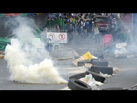 3 die in Thailand clashes between armed police & anti-government protestors - BBC News