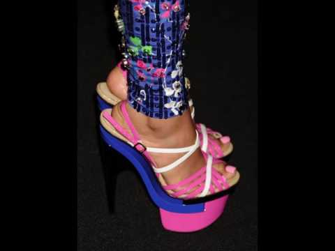 Nicki Minaj Shows off Her Feet