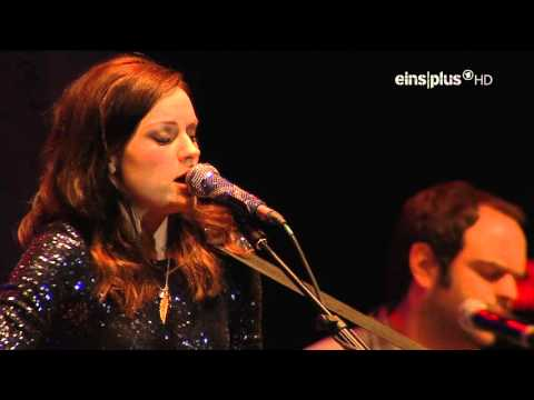 Amy MacDonald - Live At Fashion Music